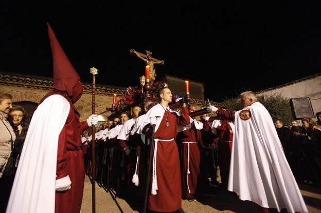 La cofradía del Humilladero de Cáceres celebra sus 525 años