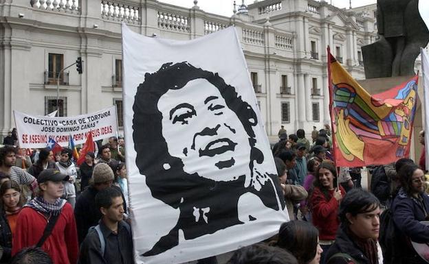Resultado de imagen para Chile: Condenan a nueve miembros del Ejército por crimen de Víctor Jara