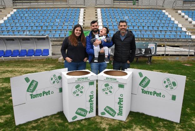 Viveros En Moreno Of El Badajoz Abre Su Coraz N Al Peque O Carlos Hoy