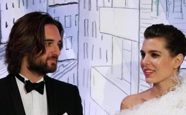 Carlota Casiraghi no se separa