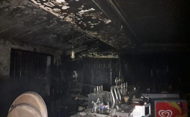 Un Incendio Destruye Uno De Los Restaurantes De La Garganta De