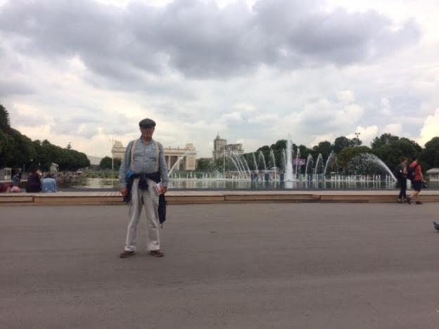 Rusia. Manuel Pecellín en el parque Gorki de Moscú./