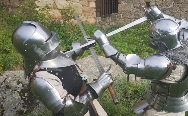 caballeros Edad Media medievales armaduras espadas arqueología experimental arqueología de las artes marciales