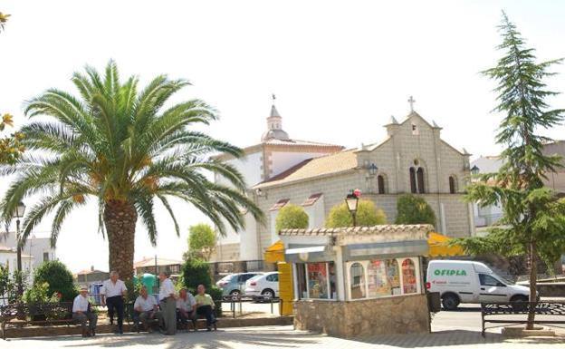 El Ayuntamiento se compromete a cerrar el perímetro de Malpartida de Plasencia y Torrejoncillo
