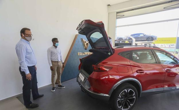 Una de las medidas propuestas reduce el costo de compra de un vehículo nuevo.  /HOY