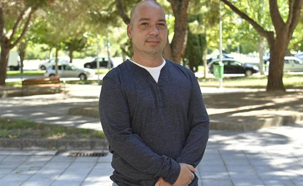José Manuel Pecero, exsoldado retirado por invalidez permanente.  / José Vicente Arnelas