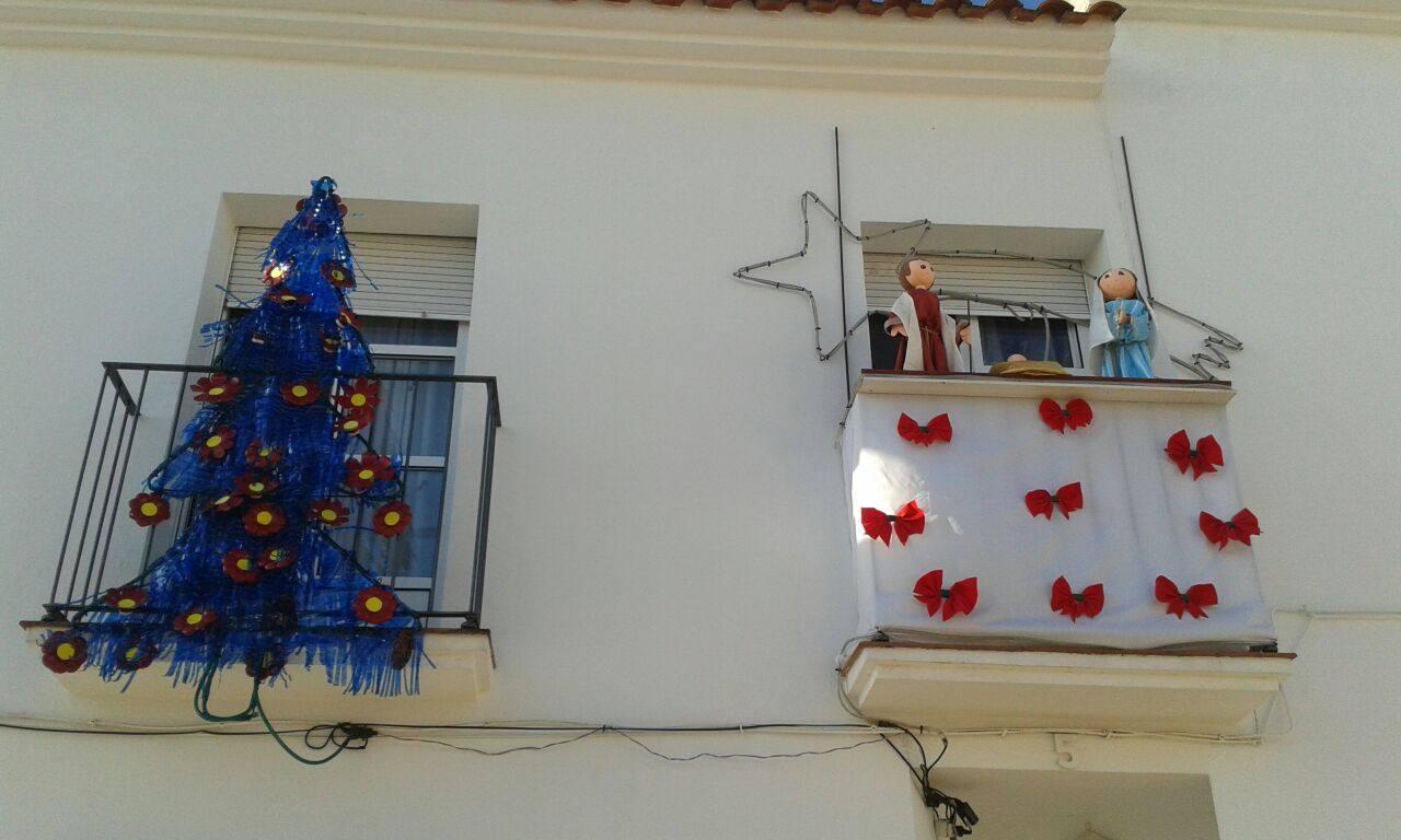 Imagenes Balcones Adornos Navidad.Maria Del Carmen Vicente Gana El Premio A La Decoracion