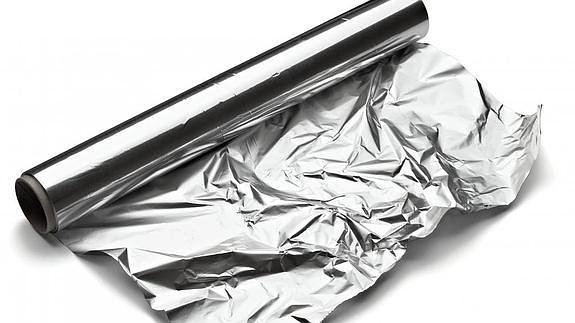 Por que lado utilizar el papel aluminio